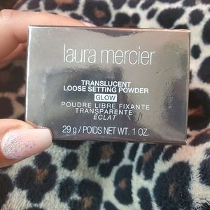 Brand new Laura Mercier translucent glow powder